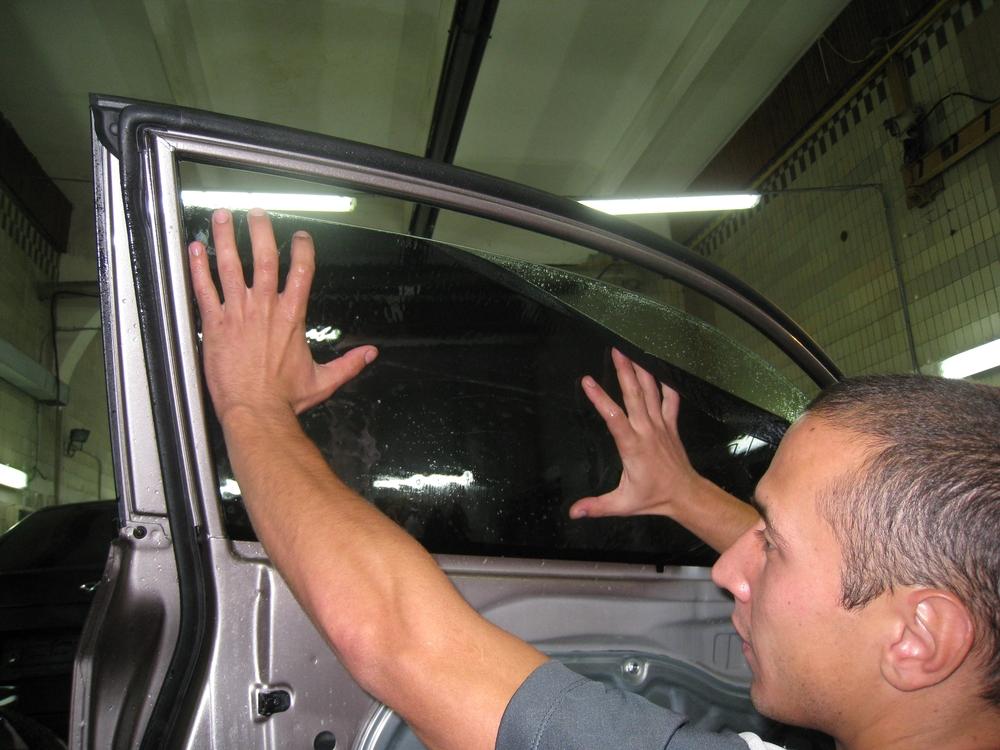 Как тонировать машину своими руками